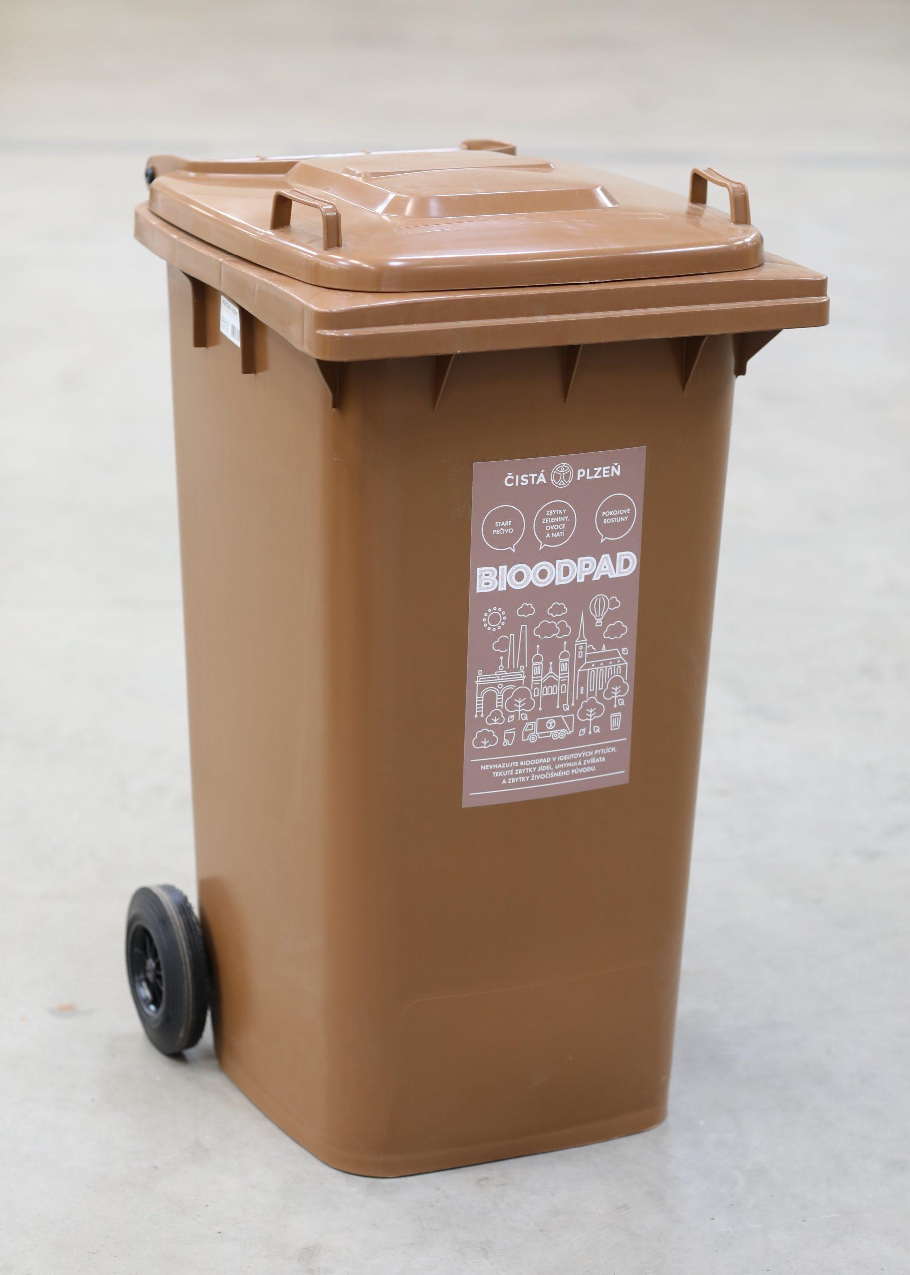 Hnědé nádoby na bioodpad – řešení pro odpad ze zahrad